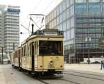 Berlin - Tw  5984/1742/tw-5984-mit-zwei-beiwagen-auf Tw 5984 mit zwei Beiwagen auf dem Alexanderplatz, 12.10.2008