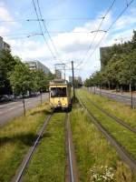 Berlin - Tw  5984/26379/unterwegs-auf-rasengleis-in-berlin-mitte-juli Unterwegs auf Rasengleis in Berlin-Mitte, Juli 2009
