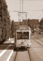 Berlin - Tw  5984/2908/tw-5984-aus-dem-vorausfahrenden-hist Tw 5984 aus dem vorausfahrenden hist. Strassenbahnzug, Themenfahrt 2007